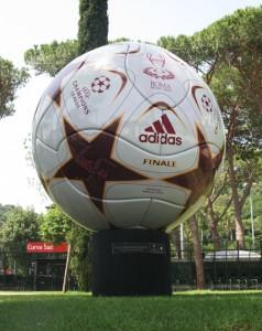 Champions league Pallone gigante advertising_01